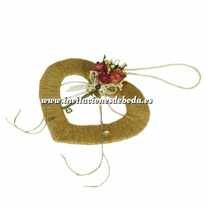 Imagen Cestas y Cojines Porta alianzas corazon hueco flor roja ARTESANAL