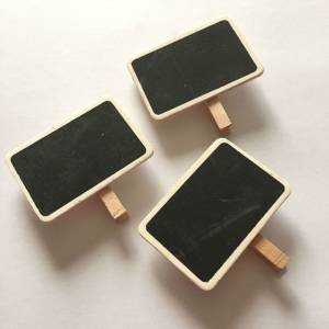 Imagen Detalles para la ceremonia Mini pizarra negra con PINZA de madera FORMAS SURTIDAS